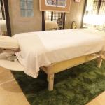 リンパドレナージュの施術ベッド